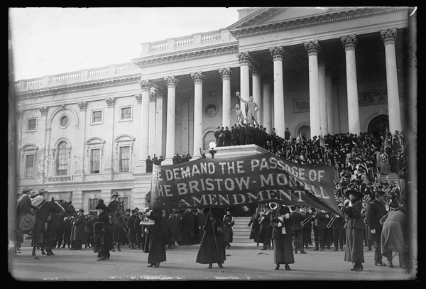 Suffragettes à WashingtonD.C. 1917 © Library of Congress/Wikimedia